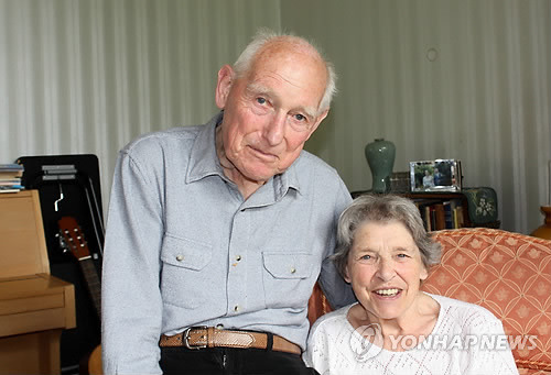 영국인 의사 존 콘스의 눈에 비친 1954 ~1960년의 한국 모습