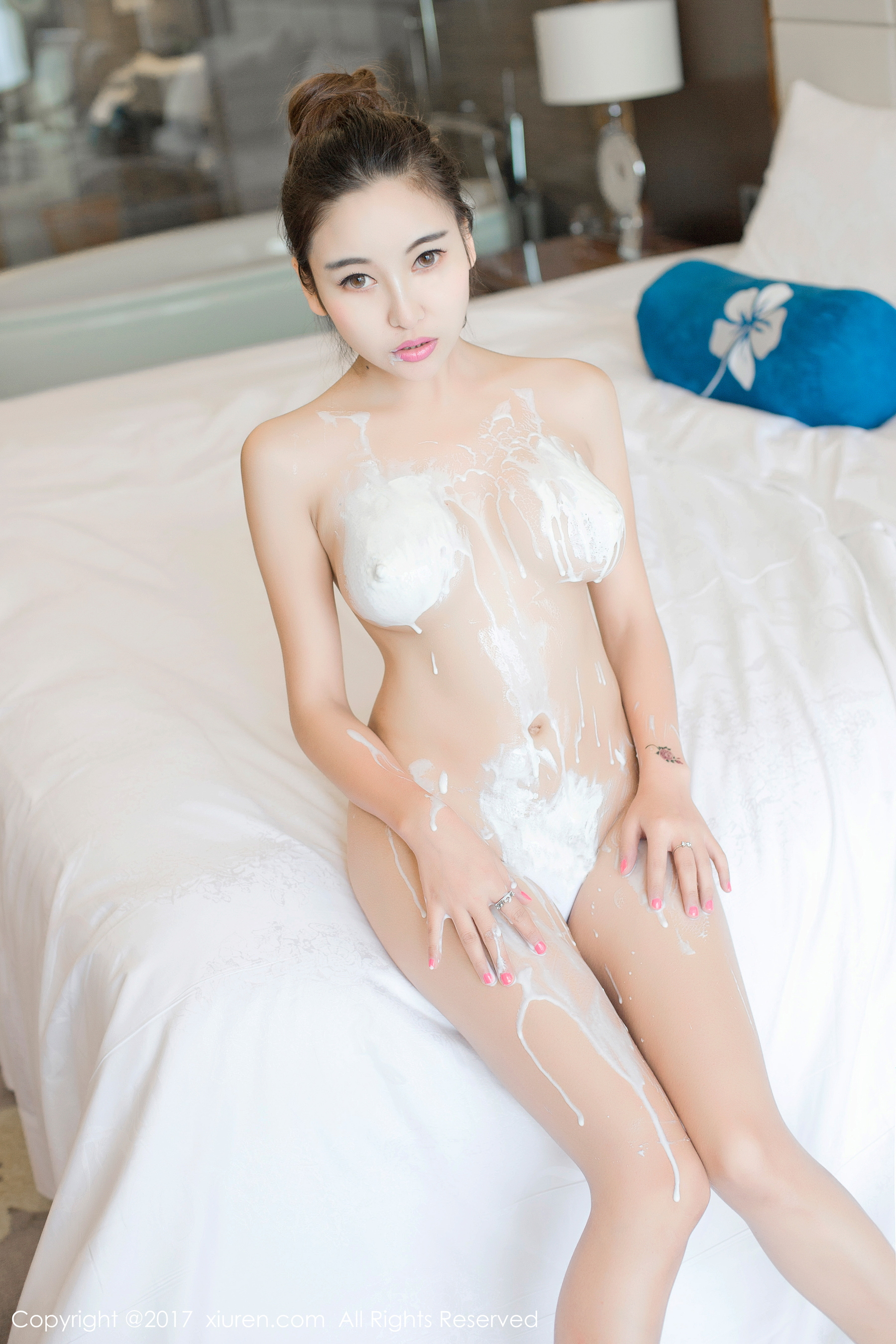 hot milk show Chinese glamour